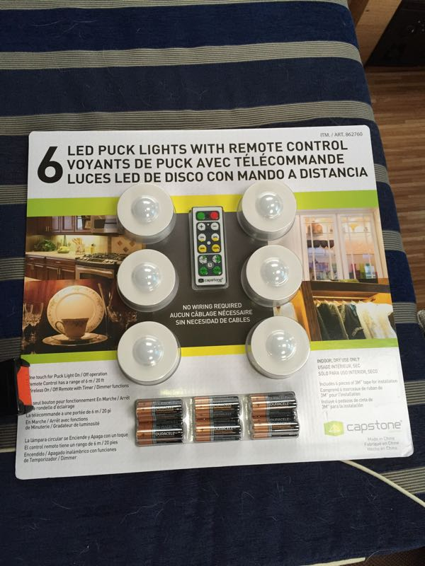 コストコ 6 LED PUCK LIGHTS WITH REMOTE CONTROL表