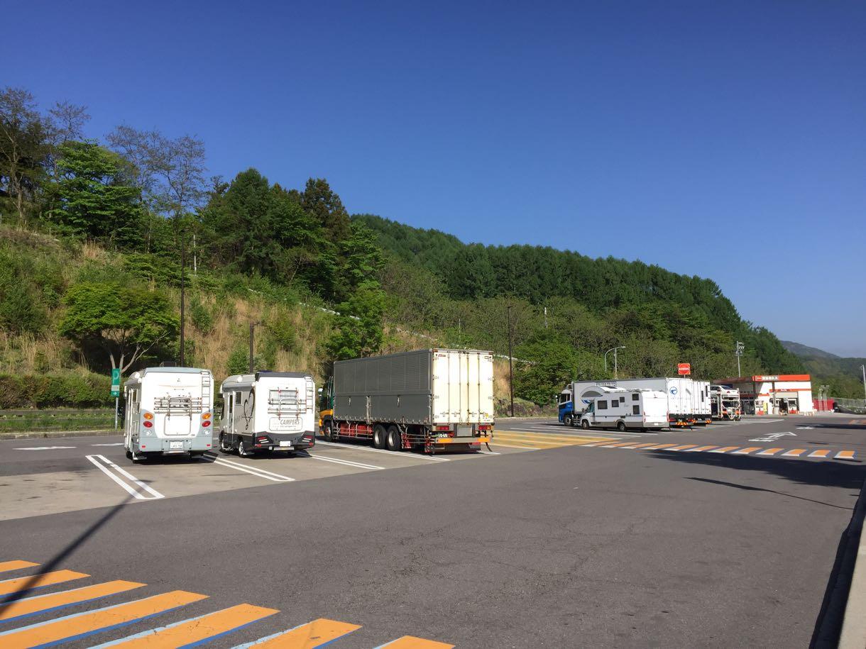 諏訪湖SAとキャンピングカー