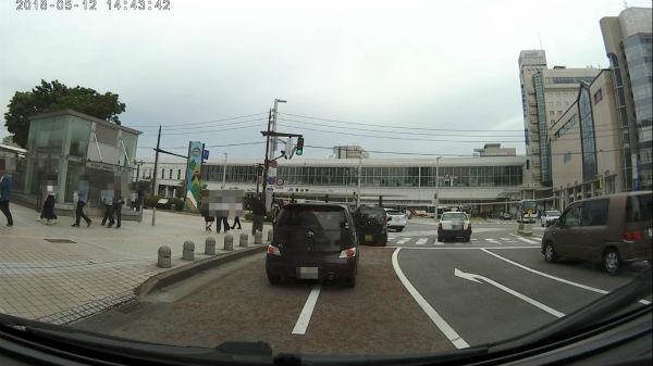 富山駅の降車場