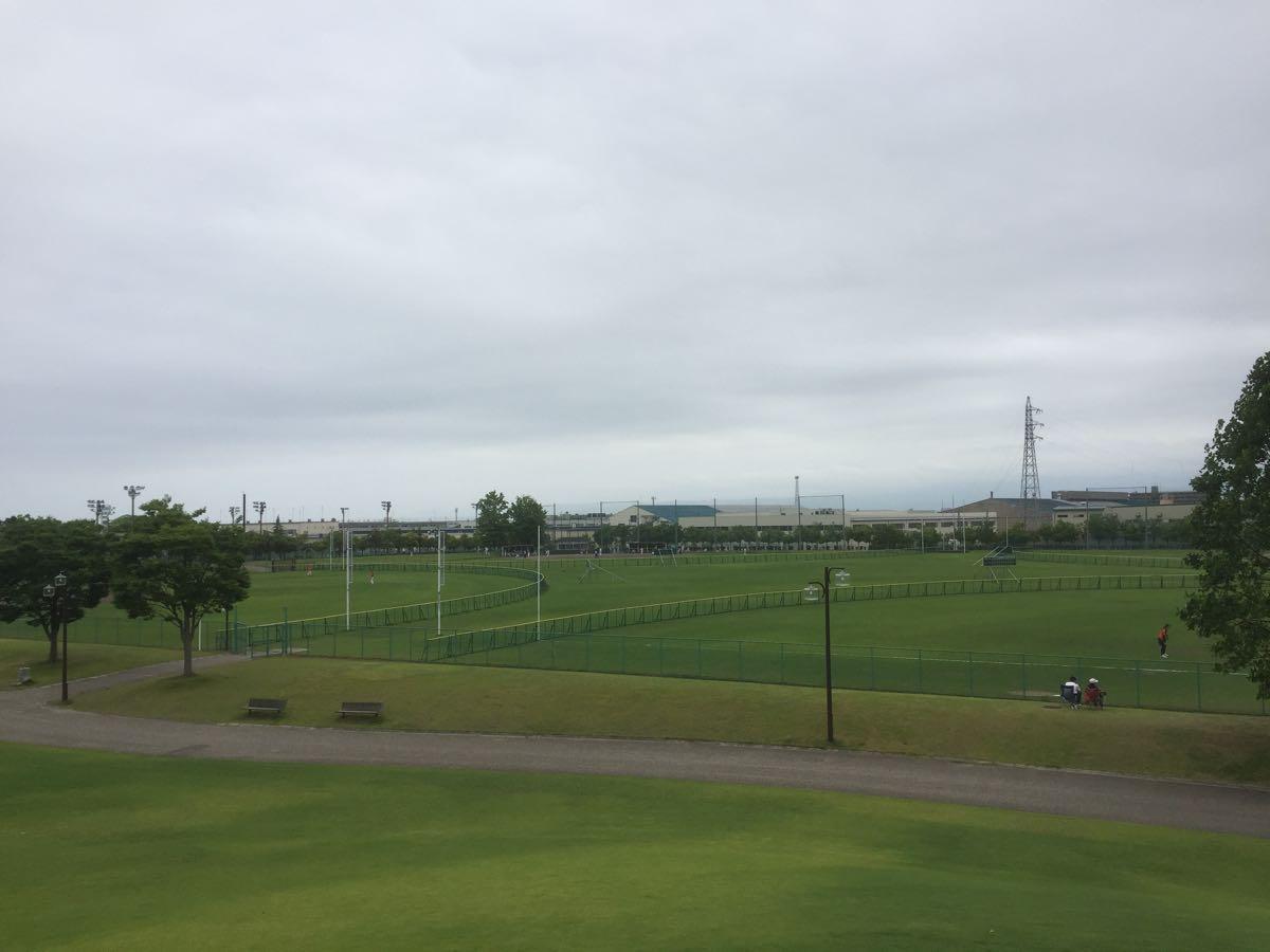 足湯のあるピエ・パルクと岩瀬スポーツ公園