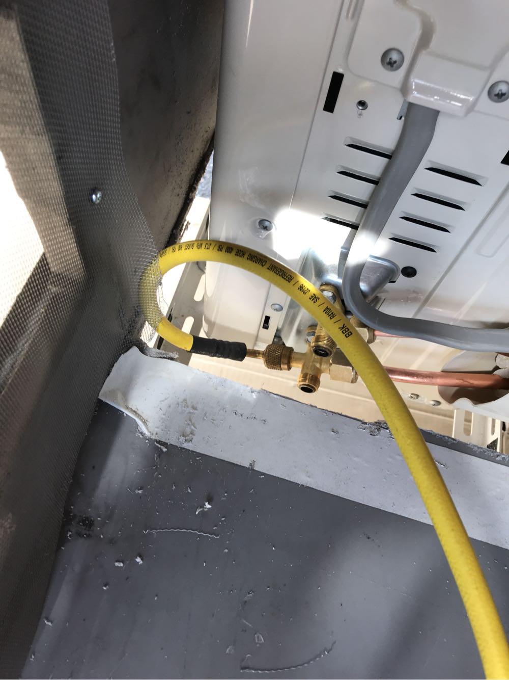 キャンピングカーに家庭用エアコンをつける