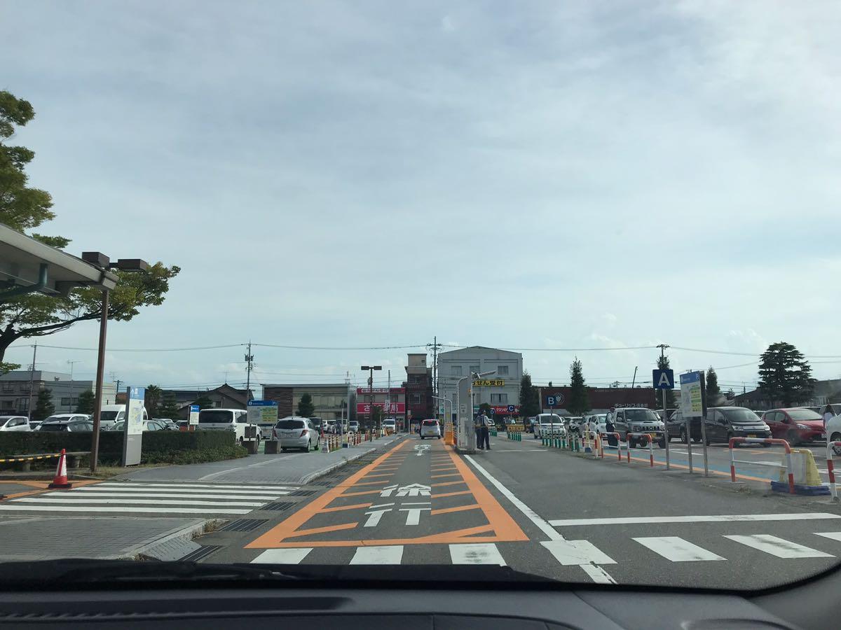 富山県立中央病院の駐車場