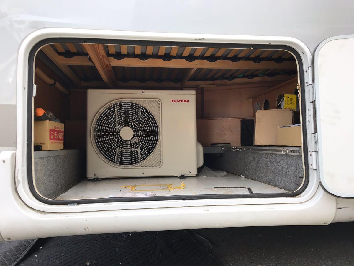 キャンピングカーに家庭用エアコンを!