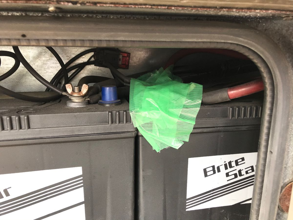 キャンピングカーにリチウムバッテリを載せる