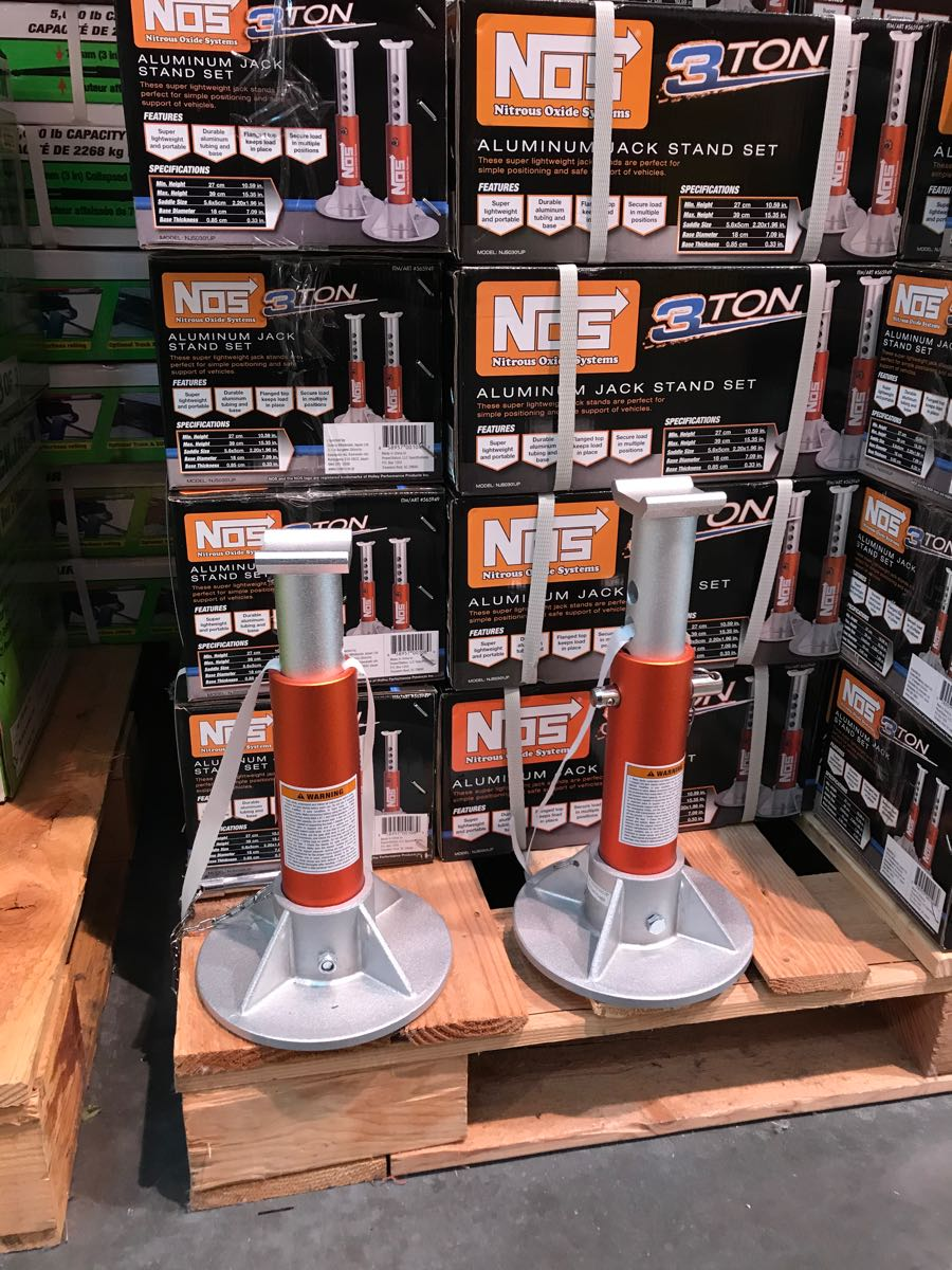 Costco_nos_jack-stand