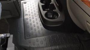 キャンピングカーのベース車両・FIAT DUCATOのメインバッテリーの型式がわからないょ( ▽|||)